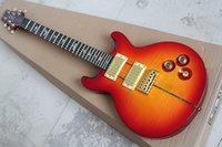 achat en gros de acajou pommelé-Cherry Sunburst Guitare électrique avec 24 frettes, placage d'érable matelassé, Gold Hardwares, manche d'acajou et peut être personnalisé