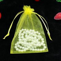 achat en gros de jaune bonbons enveloppés-Party Petit mariage Sacs Favor cadeaux Yellow Sheer Bijoux de Noël Organza Pochettes Emballage 100pcs Cadeau Bonbons Wrap Carré 5x7cm