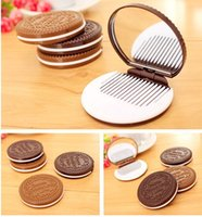 Wholesale Dark Brown Portable Cute Chocolate Cookie Shaped Design Makeup Mirror with Comb Lady Women Makeup Tool Pocket Mirror Home Office Use