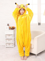 pyjamas jaunes achat en gros de-2017 New Hot Sale Manteau Robe jaune Pikachu Belle Cheap Pyjamas Anime Cosplay Costume Unisexe Adulte Pyjamas femme