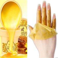 Wholesale 2pcs Hand Wax Treatment Hands Whitening Mask Skin Care Remove Dead Skin Peeling Exfoliator Baby Hand Mask Spa Moisturizing