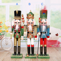 Wholesale Christmas nutcracker soldiers H30cm home decoration the nutcrackers shiny painted wooden toy gift for children
