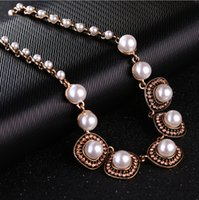 Wholesale New Style Bridal Necklace Alloy Chain Pendant Necklace With Natural Freshwater Pear Flowers For Girls Gifts