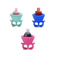 Wholesale Soft Silicone Finger Wearable Nail Gel Polish Bottle Holder with ring Creative Nail Art Tools Polish Varnish Bottle Display nail polish