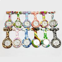 Wholesale Silicone Nurses Brooch Colorful Prints Tunic Fob Medical Nurse Watch Free Battery Cute Patterns Fob Quartz Doctor Watch Pocket Color C44