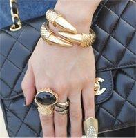alternative bracelets - 2016 New Hot Fashion Punk Style Texture Vintage Bangle Alternative Talons Alondra Bracelet Jewelry for Women