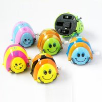 baby deliver - Small Toys Chain Beetle Wind up Toy Cartwheel Can Run Around Beetles Wind up Kids Toys Little Toy for Baby Random deliver