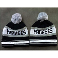 Wholesale Hot Sale New York Beanie Yankees Beanies Caps High Quality Beanies Pompom Beanies Outdoor Sports Hats Popular Beanies Many Style Caps