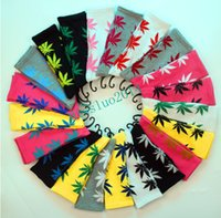 Wholesale Maple Leaf Socks Fashion Socks Crew Weed Socks Skateboard Sports Stockings Cool Socks Hemp Leaf Socks