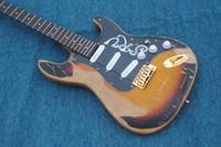 Wholesale Vendendo por atacado hot cor sunburst SRV guitarra elétrica Envelhecido V C forma cabeçote frete grátis