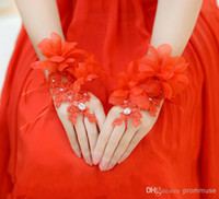Wholesale 2016 In Stock Bridal Accessories Fingerless Lace Appliqued Flowers Beads Cheap Wedding Red Bridal Gloves EM00981