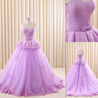 15 robes lavande achat en gros de-Lavender Quinceanera Dresses 2016 Sweetheart Appliques en dentelle Tulle Sweet 16 Robes de bal Lace Up Bow Vestido 16 Anos Dress For 15 Years