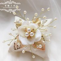 Wholesale Bridal Hair Ornaments Wedding Hair Accessories Flower Headdress Bride Hairpins With Pearls And Gold Leaves Beauty Barrettes