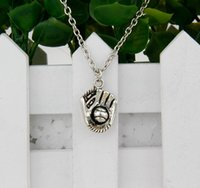 antique baseball glove - 10pcs Hot Antique Silver Baseball Glove Charm Amulet Pendant Clavicle Short Necklace Jewelry Findings Friendship Gift A021