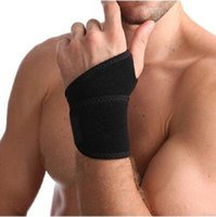 Wholesale Winding Anti Sprain Basketball Tennis Badminton Weightlifting Free Riding Mountaineering Pressurized Breathable Wrist Guard Palm Fitness L0