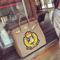 bear brand package - High quality casual fashion brand design embroidered teddy bear badge lock platinum package ladies handbag commuter bag color