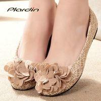 beautiful muscle women - Flats Women Shoes Walk Heeled Cow Muscle Outsole Slip on Bowtie Lace Beautiful Flowers Shoes Women Flats PU