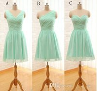 Wholesale Pleated Short Chiffon Bridesmaid Dress Mint Green Knee Length Wedding Party Dress Under Mixed Order