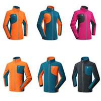 Wholesale Men Women Thermal Hiking Fleece Jacket Outdoor Sports Windproof Coats Mountaineering Softshell Camping jacket Clothing RM078
