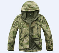 Wholesale NEW High quality Men s Lurker Shark skin Soft Shell Outdoor Military Tactical Jacket Waterproof Windproof Sports Army camouflage cloth