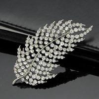 animal crossing new leaf - 2016 new fashion Korean version of the full diamond diamond leaf brooch diamond crystal brooch pin holding flowers accessories