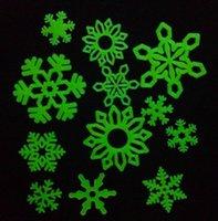 art flakes - Hot Snow Flakes door Wall Stickers Ceiling Baby Nursery Glow In The Dark