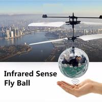 al por mayor luces rc-Nueva Operación Fácil Volar el Vuelo RC Flying Ball Infrarrojos Sentido de Inducción Mini Aviones de la luz intermitente de control remoto UFO Juguetes para niños