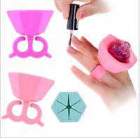 Wholesale Soft Silicone Finger Wearable Nail Gel Polish Bottle Holder with ring Creative Nail Art Tools Polish Varnish Bottle Display nail polish