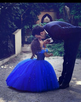 Wholesale Cute Royal Blue Ball Gown Girls Pageant Dresses Off Shoulder Tulle Floor Length Toddler Birthday Dresses Party Dresses Cupcake Dresses