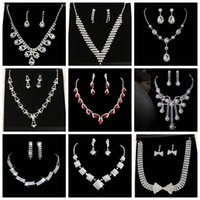 diamond solitaire - 2016 Cheap New Wedding Necklaces Wedding Dresses Crystal Beads Party bride Chandelier Rhinestone Party decoration Imitation diamond Chokers