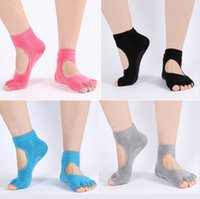 Wholesale New Fashion Sports Massage Fitness Non Slip Half Toe Yoga Pilates Socks