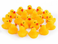 Wholesale High Quality Baby Bath Water Duck Toy Sounds Mini Yellow Rubber Ducks Kids Bath Small Duck Toy Children Swiming Beach Gifts ESW160616