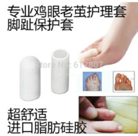 Wholesale Foot toe care sets thumbscrews heloma care Corns and calluses protector pair football team logo design
