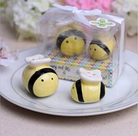 Wholesale 2pcs set Creative Ceramic Bee Salt Pepper Shaker Wedding Favors And Gifts For Guests Souvenirs Decoration Event Party Supplies