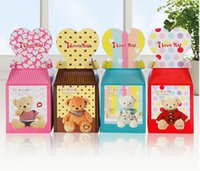 Wholesale Christmas gift wrap cartoon design apple boxes new year gift box for new style hot selling