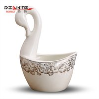 Wholesale Little Swan large Eurasian style decorative spoon basket placed the big spoon rich European high grade bone china Phnom Penh