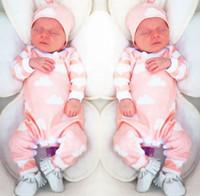 al por mayor sombreros recién nacidos de color rosa-2016 Nueva Otoño Niños Ropa establece SIN ropa de los muchachos Ropa de las muchachas Manga larga Rompers de la nube del color de rosa + Sombreros 2pcs Juegos del bebé Pijamas recién nacidos