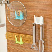 Wholesale 2pcs Wall mounted pot lids holder cabinets Pot Pan Cover storage rack with hook cutting board shelf organizer kitchen accessories