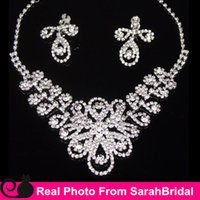 beautiful chandeliers - 2016 Beautiful Silver Statement Necklaces and Clip Chandelier Earrings Sets for Bridesmaids Jewelry Lady Women s Prom Party Fashion