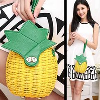 Wholesale Straw Handbag New Cute Fruit Bag Pineapple Package Pure Hand Made Woven Circular Women Handbag Messenger Bags