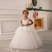 Wholesale New V Neck Appliques Lace Girl Dress Floor Length Tulle Lace Belt kids Formal Wear Dress Beading Bows Lace Flower Girls Dresses