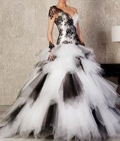 Wholesale 2016 Fashion Sweetheart White and Black A line Quinceanera Dress One Shoulder Sleeveless Lace Appliques Tulle Long Prom Gowns Sexy