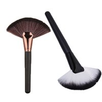 Wholesale Fan Shaped colors Blusher Makeup Brush Professional Cosmetic kit Wooden Handle Synthetic Hair Makeup Powder Foundation Make Up Tool