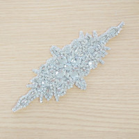 Wholesale Piece Fashion Beautiful Flower Crystal Glass Silver Rhinestone Applique For Wedding Bridal Dress Sewing Crafts
