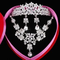 anchor stockings - Fashion Crystal Necklace Elegant Crystal Earbob Exquisite packaging Wedding Tiaras Bridal dresses Have in stock
