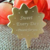 Wholesale 500pcs gold FIY love and cake decoration package paper cake hangtag