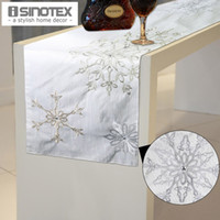 Wholesale 1 Luxury Embroidery Table Runner Flag Rhinestone Decorative Dining Tablecloth For New Year Table Cloth x176cm x69