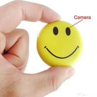 Sourire vidéo Prix-FBI Sourire Badge Visage Caméra mini DV caméra cachée enregistreur vidéo numérique en temps réel Mini SD Card DVR Camcorder
