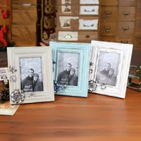 Cheap 6 Inch The Old Retro Decoration Photo Frame Retro Picture Frame Home Decor Bedroom Ornament Wood Wooden Stand Table Best Gift