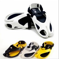 Cheap men beach shoes Best men Korean Style Sandals